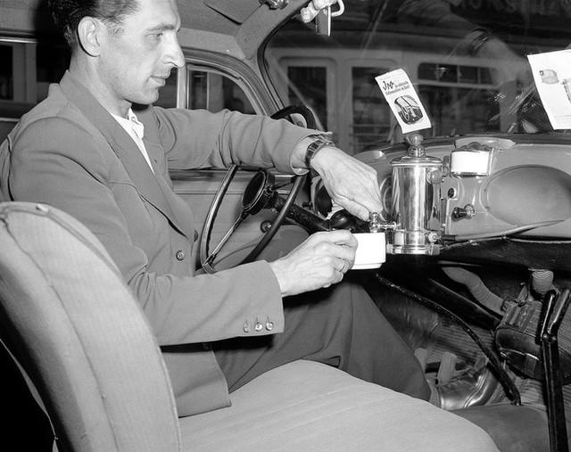 Máy pha cà phê ngay trên xe hơi