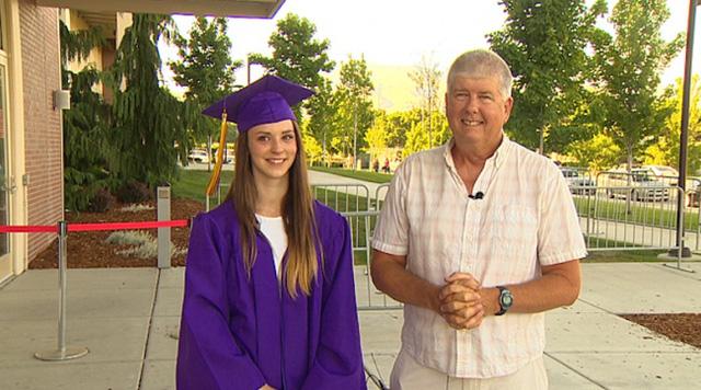 Sự xuất hiện của Mike trong lễ tốt nghiệp của Danielle.