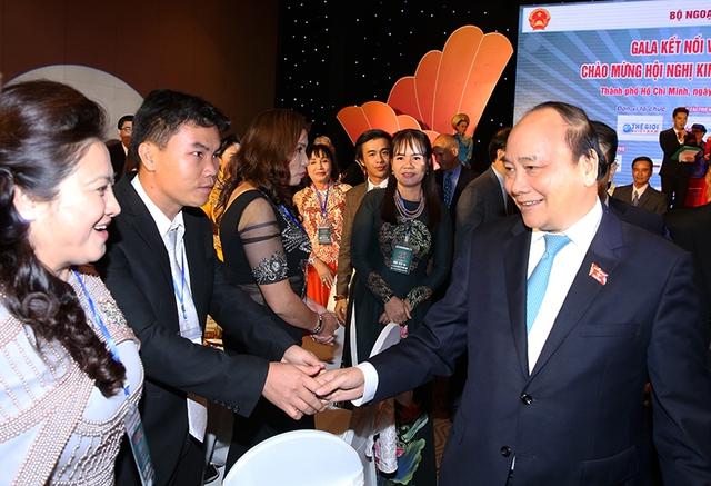 Thủ tướng Nguyễn Xuân Phúc và các đại biểu dự Gala. Ảnh VGP/Quang Hiếu