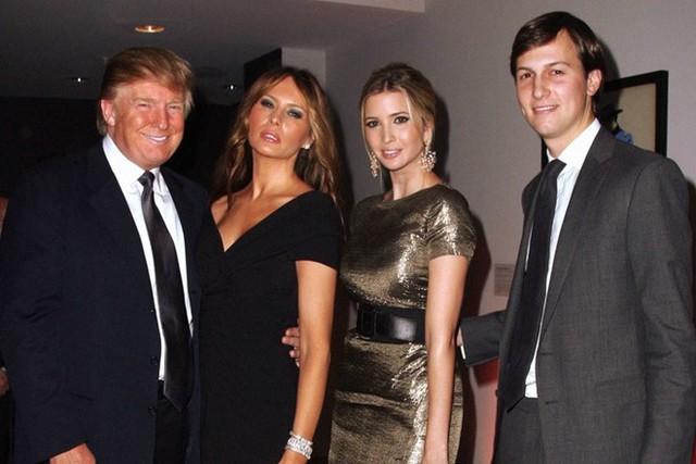 Con rể của Trump, Jared Kushner (ngoài cùng bên phải), được cho là đang gia tăng ảnh hưởng trong nhóm chuyển tiếp của tổng thống đắc cử. Ảnh: VF.