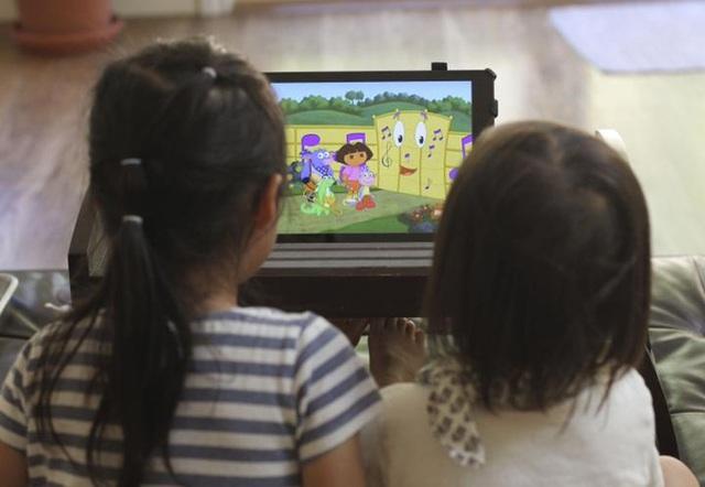 2 giờ xem tivi/ngày tương đương với 20% tăng nguy cơ rối loại chú ý.