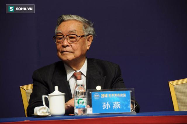 Ông Tôn Yên, Viện sĩ, Bác sĩ, Trưởng khoa Ung bướu bệnh viện Ung thư thuộc viện Khoa học Y học Trung Quốc.