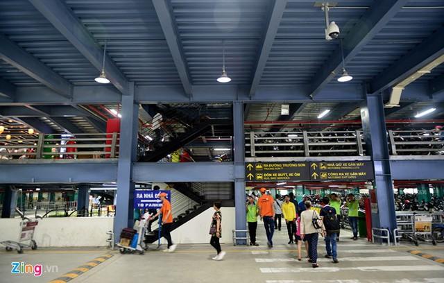 Nhà để xe 5 sao ở sân bay Tân Sơn Nhất - Ảnh 14.