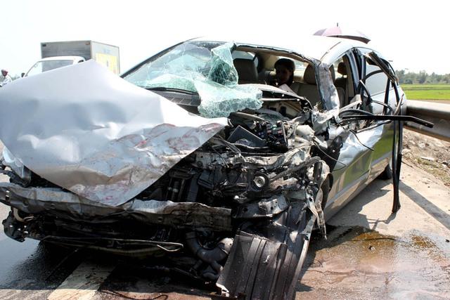 Không nên mua xe ô tô cũ đã từng bị tai nạn nghiêm trọng. Ảnh minh họa