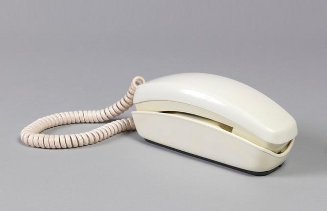 Điện thoại Trimline Telephone cũng được thiết kế bởi Henry Dreyfuss.