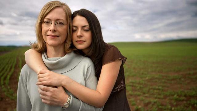 """""""Mẹ luôn ở đó khi con cần nhưng mẹ sẽ không can thiệp nếu con không lên tiếng"""