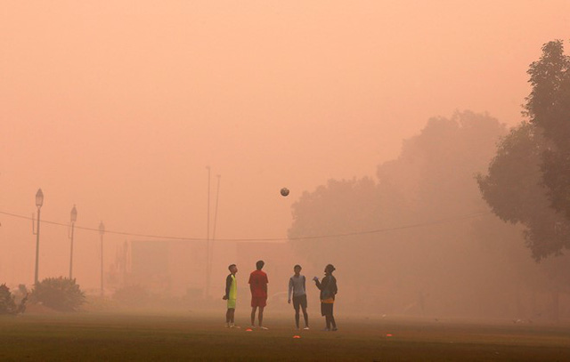 Khoảng 1.800 trường tiểu học công lập ở New Delhi đóng cửa từ ngày 5 đến 8/11 khiến hơn 1 triệu học sinh phải ở nhà.