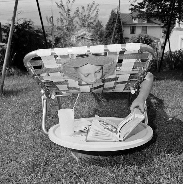 Ghế tắm nắng, vừa nằm, vừa đọc được cả sách