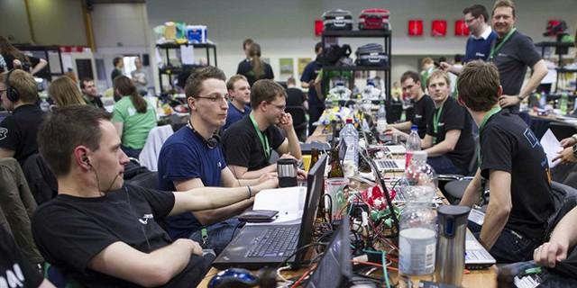 Các startup công nghệ thường có môi trường làm việc chật chội và áp lực cao.