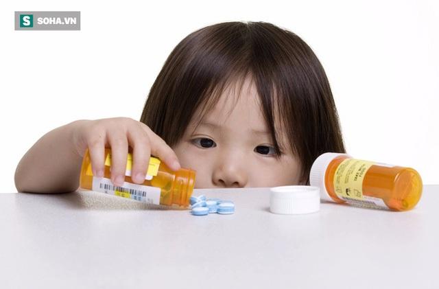 Phụ huynh sẽ cho con uống thuốc vài ngày không khỏi sẽ tăng liều lên