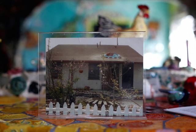 Đây là hình dáng căn nhà khi chưa sửa chữa, sau vài năm nó biến hình thành một tác phẩm nghệ thuật thật sự.