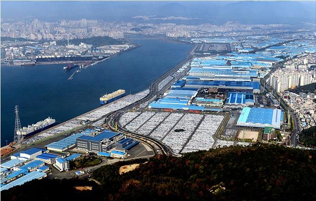 Tổ hợp khổng lồ của Hyundai tại Ulsan.