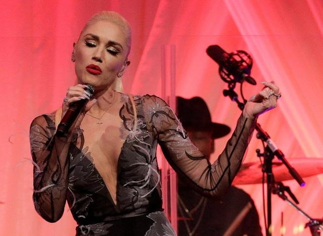 Nữ ca sĩ Mỹ Gwen Stefani là khách mời và cũng là người trình diễn trong bữa quốc yến tối 18-10 vừa qua - Ảnh: Reuters