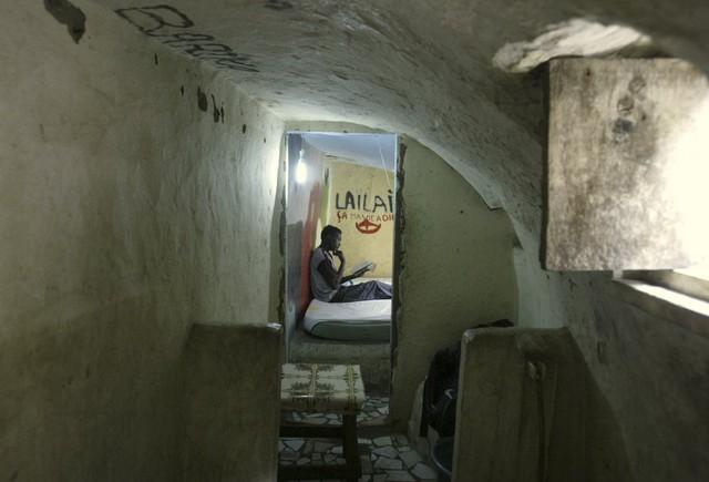 Học trò của Kalo sau đó đã sinh sống trong căn nhà nhỏ này, nó được đặt tại thành phố Abidjan, Ivory.