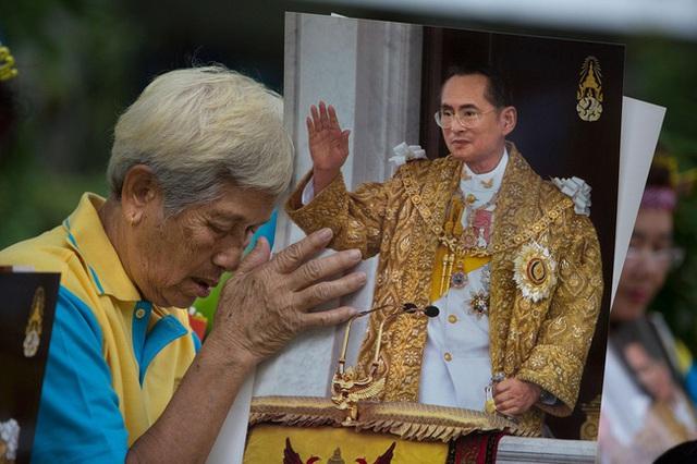 Quốc vương Bhumibol là vị Vua được yêu mến nhất trong lịch sử Thái Lan.