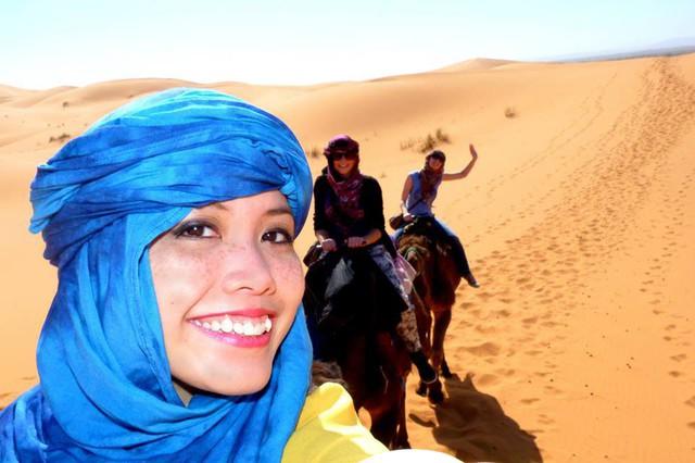 Chuyến đi Maroc đã thay đổi cách nhìn của Hương với những người Hồi giáo. Ảnh chụp tại sa mạc Sahara, Maroc. Ảnh: NVCC