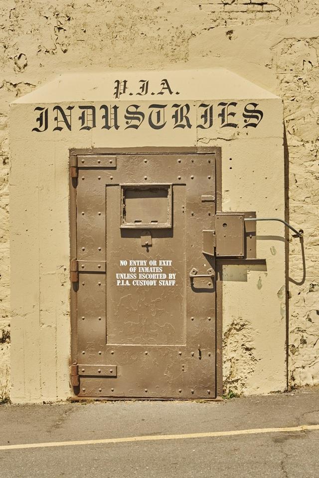 Đây là cánh cổng vào lớp học code đặc biệt của các tù nhân ở San Quentin.