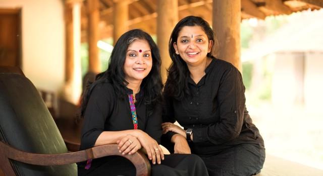 Hai nhà sáng lập là Radhika Manghat Menon và Priya Deepak của startup The VillageFair.