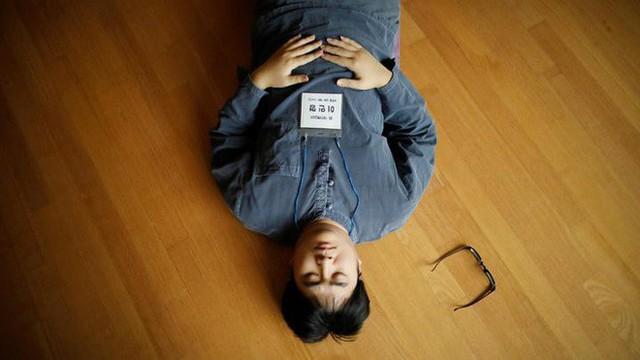 Dịch vụ siêu lạ tại Hàn Quốc: Khi con người ta trả tiền triệu để được... đi tù - Ảnh 4.