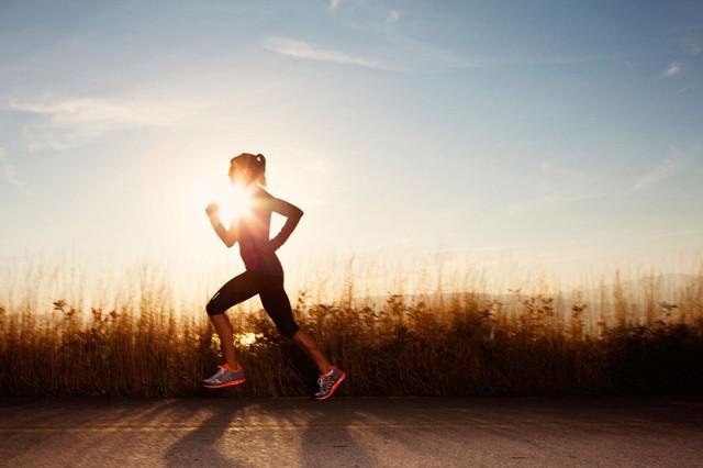 8 lời khuyên sức khỏe ai cũng nên áp dụng dù ở bất kỳ lứa tuổi nào - Ảnh 1.