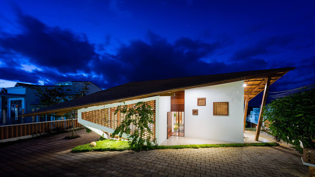 Ngôi nhà mái ngói cấp 4 đẹp như resort khiến nhiều người ước mơ ở Lâm Đồng - Ảnh 1.