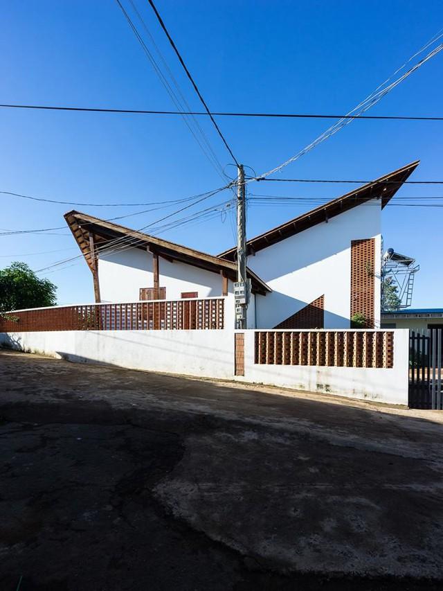 Ngôi nhà mái ngói cấp 4 đẹp như resort khiến nhiều người ước mơ ở Lâm Đồng - Ảnh 3.