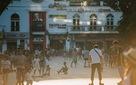 Chùm ảnh: Vẫn có một nơi ở Hà Nội, người ta quên hẳn smartphone!