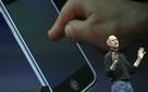 """Steve Jobs đã """"lừa dối"""" giới công nghệ và sau đó thay đổi cả thế giới bằng cách nào?"""