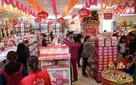 """Nikkei: Cha mẹ Việt ngày càng """"mạnh tay"""" chi tiền cho con nhỏ"""