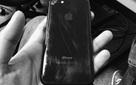 Ế ẩm, các đại lý đồng loạt giảm giá mạnh iPhone 7 đen bóng trước thềm iPhone 8 ra mắt