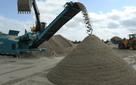 Trên thế giới có biết bao sa mạc hoang vu, tại sao cát lại khan hiếm đến vậy?