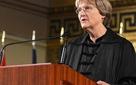 """Hiệu trưởng Đại học Harvard: Từ """"cô con gái bất trị"""" đến người dẫn dắt các thiên tài"""