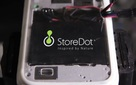 StoreDot - startup làm ra pin sạc được đầy trong 30 giây nhận đầu tư 500 triệu USD từ Samsung, tỷ phú Nga cùng công ty mẹ của Mercedes