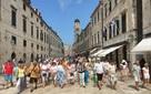 Lý do dân châu Âu không chào đón khách du lịch