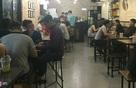 Giới trẻ thức xuyên đêm ngồi cà phê ở Sài Gòn