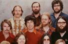 11 người có mặt trong bức ảnh biểu tượng của Microsoft giờ này ra sao?