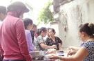 Quán bánh đúc nóng kiểu Bắc hơn 40 năm tuổi ở Sài Gòn: Sâu trong hẻm nhỏ, không biển hiệu, khách vẫn xếp hàng tấp nập