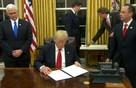 Ký sắc lệnh về Obamacare ngay trong ngày đầu, Trump đã giữ lời hứa trước toàn thể người dân Mỹ