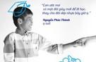 Bộ ảnh về những cái nắm tay đầy xúc động của sao Việt và các em nhỏ