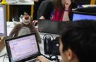 Công ty công nghệ bắt nhân viên chống đẩy 100 cái nếu không đi đủ 10.000 bước/ngày
