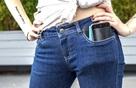 Những tác hại khủng khiếp này sẽ khiến bạn hết muốn để điện thoại trong túi quần