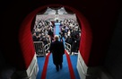 Bài diễn văn nhậm chức của tân Tổng thống Donald Trump: Pha trộn giữa nghệ thuật bán hàng và sự coi thường trật tự chính trị