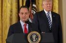 Nhà Trắng thề chiến đấu 'một mất một còn' với truyền thông