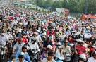 Hà Nội và Thành phố Hồ Chí Minh, thành phố nào thì tắc đường nhiều hơn ?