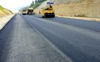 Cao tốc Nội Bài - Lào Cai nứt do địa chất hay thi công?