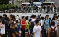 Rút cảnh sát chống bạo động, Hong Kong vẫn tắc nghẽn