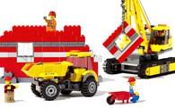 Đồ chơi Lego: Sức hấp dẫn đến kỳ lạ bất chấp thời gian