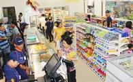 """Bán lẻ: Cửa hàng tiện lợi """"so găng"""" tiệm tạp hóa"""