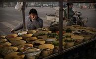 """Lương công nhân Trung Quốc tăng """"đuối"""" dần"""