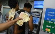 """Chuyện """"dở khóc dở cười"""" vì đổi tiền ở Ấn Độ"""